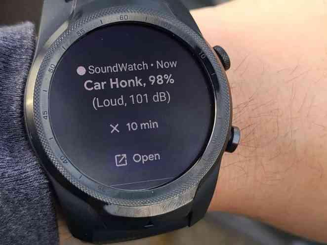 Researchers develop new smartwatch app that warns deaf users