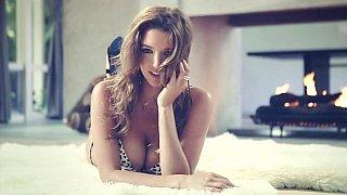 Beautiful Playboy_girl Alyssa Arce teasing image