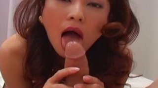 Hot and horny MILF Marie gives head image