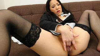 Japanese secretary in nylon stockings fingers_her hairy cunt image