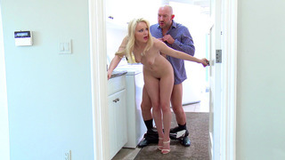Staci Carr caught by her drunk bf while getting fucked image