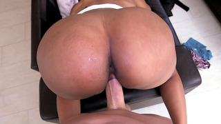 Slender chick with an enormous butt Jayla_Foxx takes a pounding image