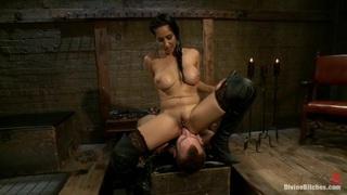 Facesitting Mistress image