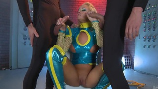 Hot_cosplay_video_of_the_sexy_Alexis_Monroe image