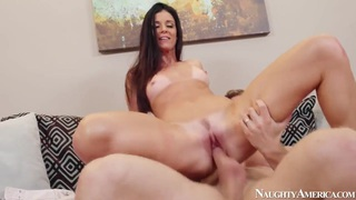 India Summer is ate out, then gives some_back image