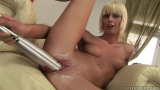 Image: Vaginal pumping for sexy blonde White Angel