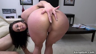 Image: Miami Loves Kendra Lust's Big Tits And Ass