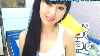 Hot Asian Webcam Girl Fingers Her Pussy 4 image
