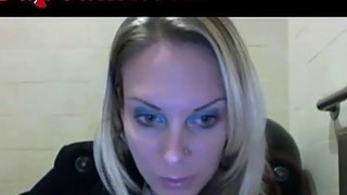 Image: Webcam Girl Masturbates In Starbucks Bathroom