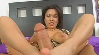 Image: Sienna gave a nice footjob until he cums