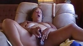Image: OmaFotze Old bbw granny is playing with her pussy