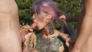 Image: Sweet hot chick Sydnee Vicious loves to fuck a hard dick