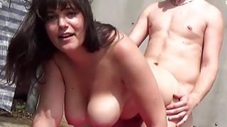 Deutsche BBW Girls lassen ihre Titten_wackeln image