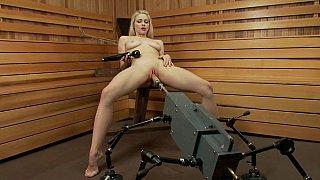 Image: Slutty babe destroys her vagina with sex machine