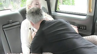 Beautiful blonde babe gets twat screwed in the backseat image