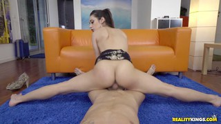 Lucia Nieto gets a load on her eyes image