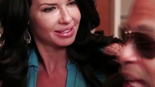 Pussy fingering leads to hot sex between Veronica Avul and black bull Shane Diesel image