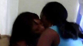 Image: Amateur African lesbos licking juicy pussies