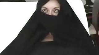 Image: Iranian Muslim Burqa Wife gives Footjob on Yankee Mans Big_American Penis