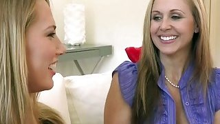 Image: Hot MILF Julia Ann shares big dick with a hot babe Van Wilde