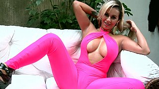 Pretty hot in pink image