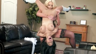nicolette shea and her sons friend - Nicolette shea and shay evans_play lesbo games image