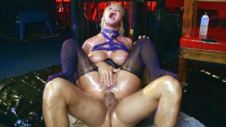 London_River_gets_her_ass_fucked_by_two_cocks image