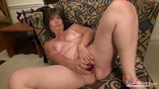 USAwives Shows Best Mature Pictures in Compilation image