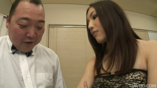 Hot Japanese girl Mashiro Nozom gets her pussy liced and thrilled image