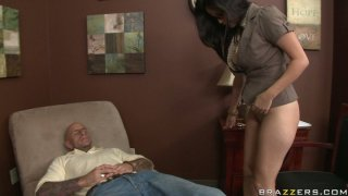 facesit Porn clips - Slutty_brunette_chick_evie_delatosso_facesits_and_blows image