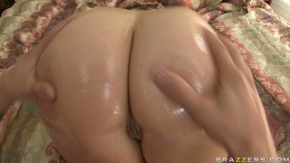 Fantastic ass of slutty milf Oil Velicity_Von oiled and massaged image