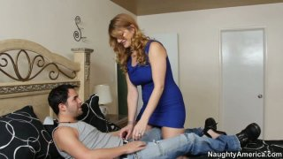 Horny cougar woman Robbye Bentley blows and gets her muff eaten image