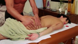 Horny masseur pleases Alektra Blue with his magic hands and gets his cock sucked deepthroat image