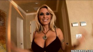 Luxurious blonde strumpet Holly Halston gives hot titjob image