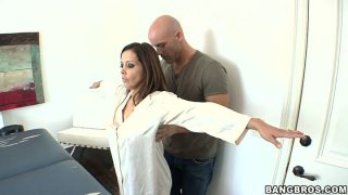Brown haired hottie Francesca Le in her massage session image