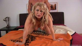 Cougar MILF slut Elza gets finally satisfied by Richy image