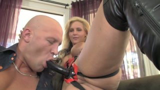 Brutal_guy_shows_Phoenix_Marie_how_he_likes_to_suck_dicks image