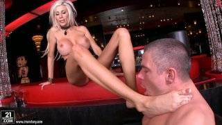 Image: Flexible Puma Swede gets her toes sucked hard