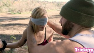 Image: Bird box Challange with Big Penis and Kali Roses