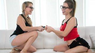 2 Geeky Lesbians smooch-a-cooch image