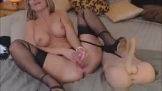 Image: Beautiful Blonde Toys Private Webcam Show