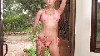 Awesome latina twerk porn Clips ~ Tattooed blonde twerks huge butt image