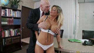 Killer body Kristal Summers gives a tremendous blowjob and titjob image