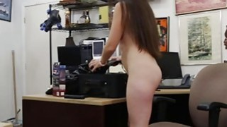 Sexy babe pawned her equipments and gets fucked by pawn man image