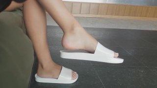 Candid Feet_- Melissa Beach Slide (White) image