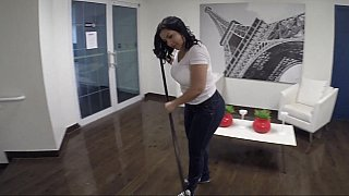 Dirty_cleaning_lady image