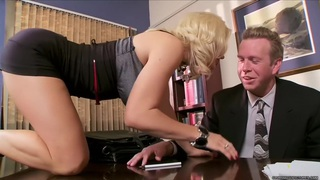 Diamond Foxxx Screws the Divorce Lawyer image