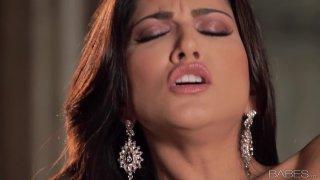 No dick_around for gorgeous Sunny Leone so she masturbates image