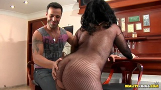 Big fat bitch Aliny does a blowjob for handsome Roge Ferro image