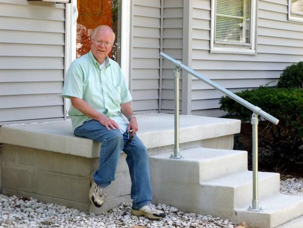 5 Diy Metal Stair Railing Examples Simplified Building | Diy Handrails For Exterior Stairs
